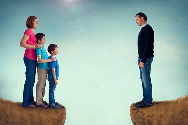 Алименты на двоих детей составляют 33 % от общего дохода плательщика
