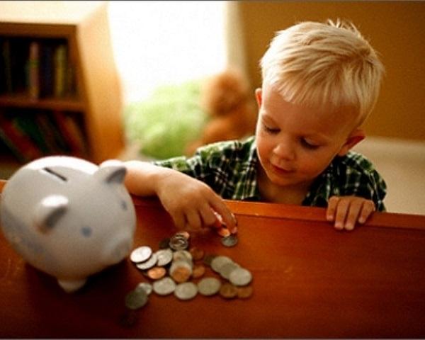 Минимальный размер алиментов, если детей трое, составляет половину заработка плательщика